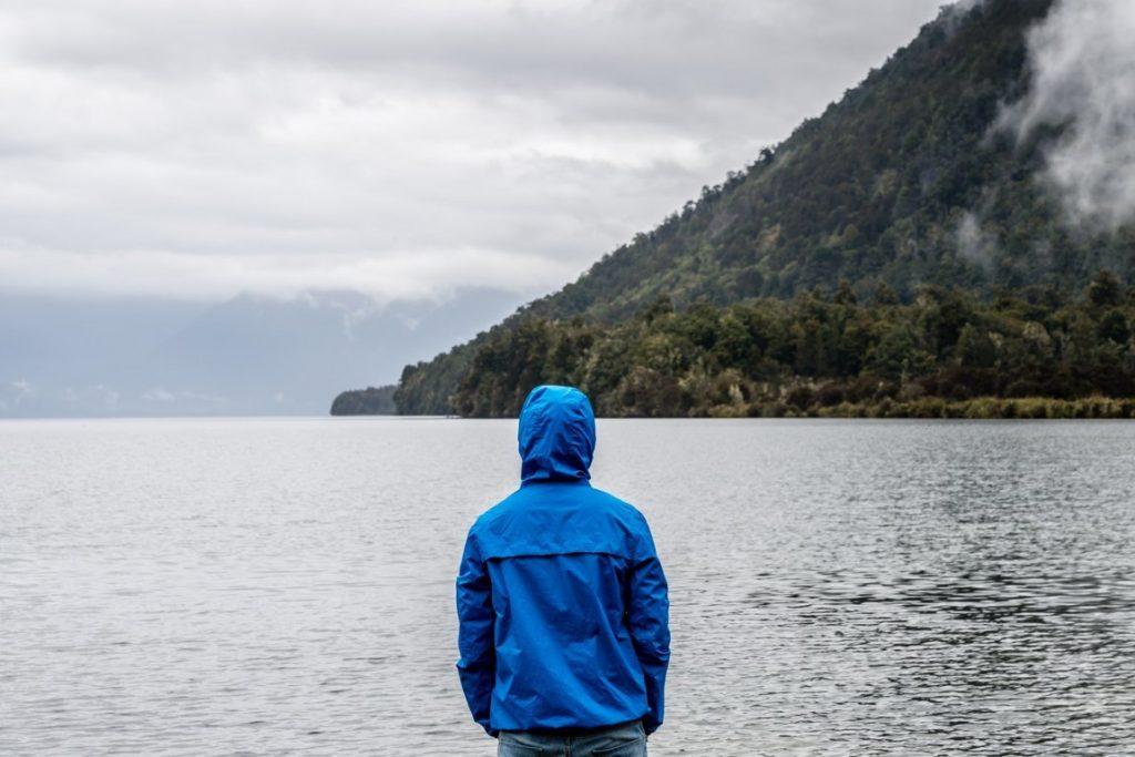 Depressione post vacanze è la definizione data a quel mix di sensazioni spiacevoli che possono assalirci al rientro da un viaggio e complicare la ripresa delle abituali attività quotidiane.